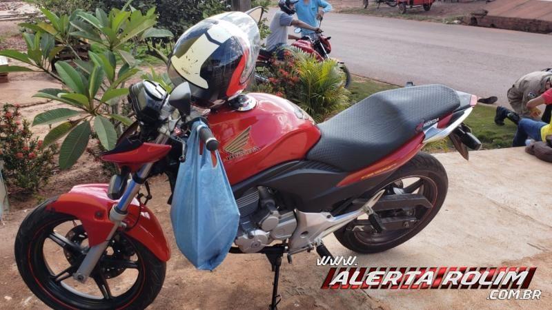 Colisão entre duas motos resulta em três feridos nesta tarde de sexta-feira, em Rolim de Moura - Vídeo
