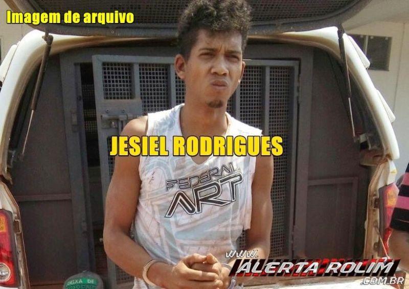 URGENTE - Um dos suspeitos de matar o casal nesta madrugada é preso pela Polícia Civil, em Rolim de Moura