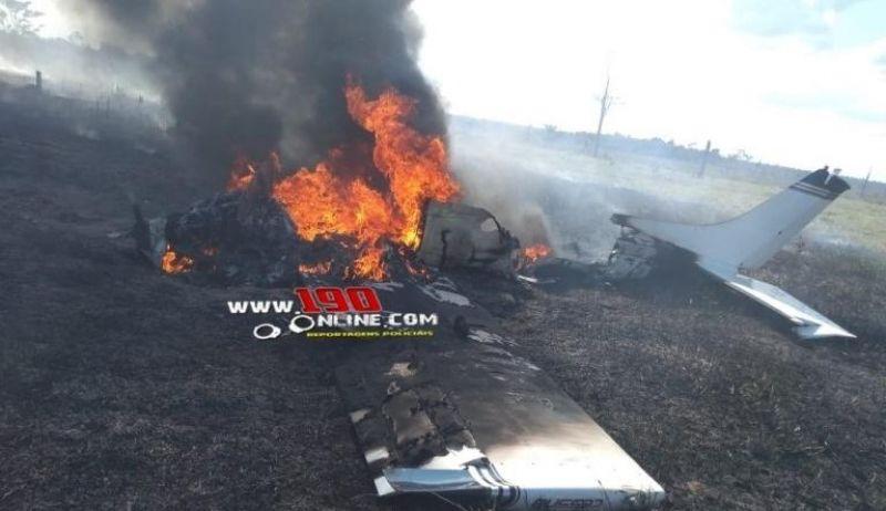 Atualizada - Avião de pequeno porte é encontrado em chamas na área rural de Alta Floresta