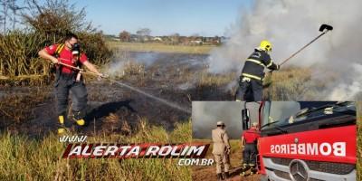 Cidade é tomada pela fumaça e bombeiros controlam o fogo em vegetação no Bairro Beira Rio, em Rolim - Veja o vídeo de Moura
