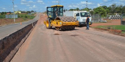 DER inicia trabalhos de recuperação em trecho crítico na RO-383 em Rolim de Moura