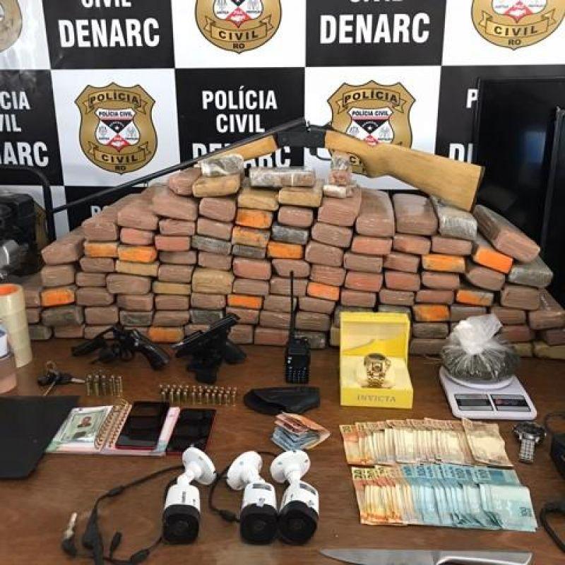 Foragido é preso com 100 quilos de maconha na Capital