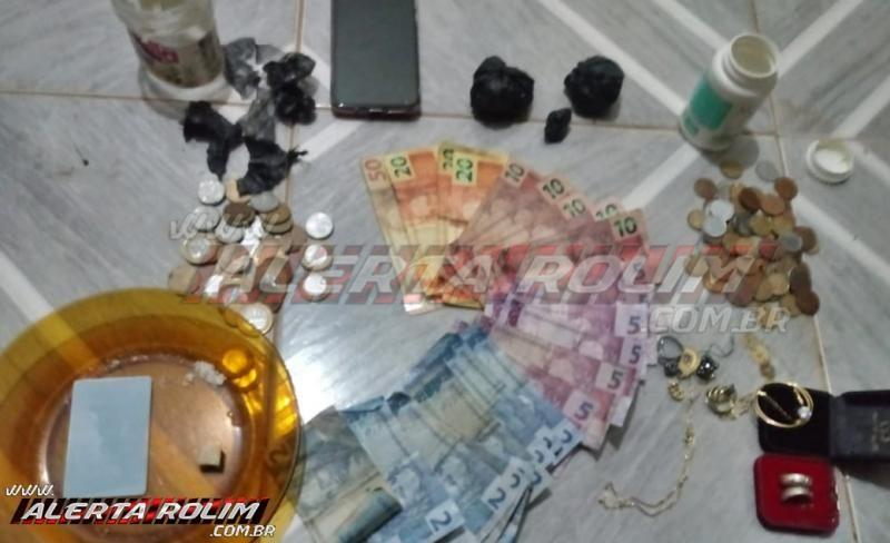 Polícia Militar e Polícia Civil estoura 'boca de fumo' e prende mulher por crime de tráfico de drogas, em Rolim de Moura