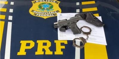 PRF apreende uma pistola Taurus carregada na BR-435