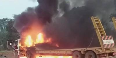 Vídeo mostra fogo consumindo caminhão-prancha na BR 435