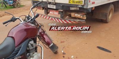 Motociclista fica ferido ao bater na traseira de caminhão na Avenida São Paulo, em Rolim de Moura