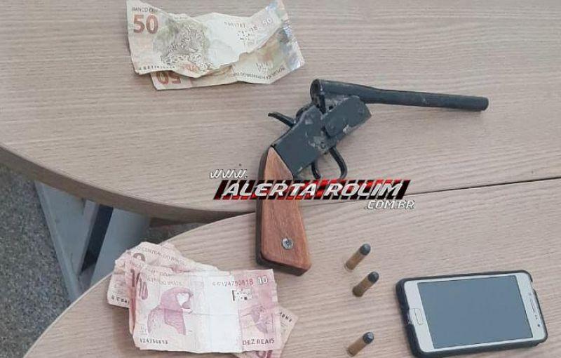 Após a prática de dois roubos em sequência, bandidos armados são capturados por populares até a chegada da Polícia Militar