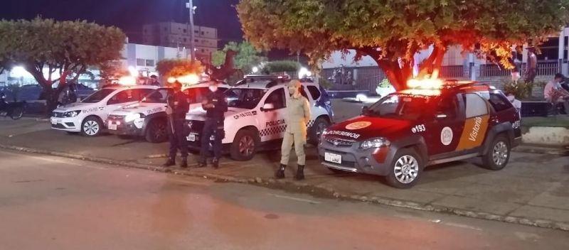 Covid-19: Fiscalização realiza operação para combater aglomerações no centro de Rolim de Moura na noite deste sábado