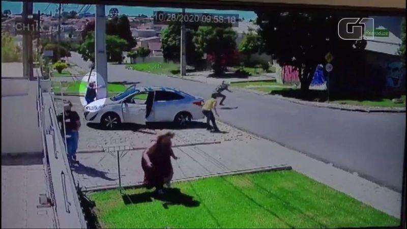 Homem é preso após reagir a assalto e matar um dos suspeitos em Curitiba, Vídeo