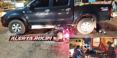Motociclista fratura braço em colisão no cruzamento da Rua Urupá com Av. 25 de Agosto, em Rolim de Moura