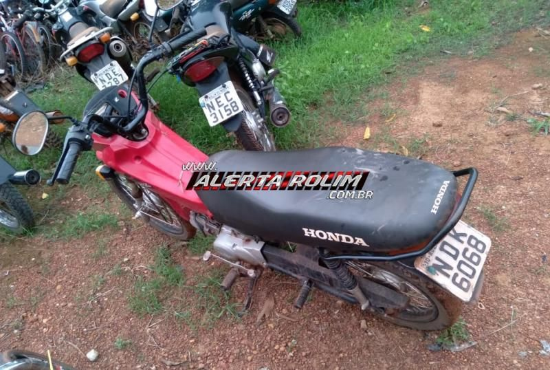 Polícia Militar recupera motocicleta furtada e prende mulher com drogas e munições, em Rolim de Moura