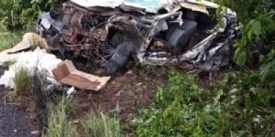 Motorista fica em estado grave após colisão frontal entre caminhonete e carreta na BR-364, em Pimenta Bueno