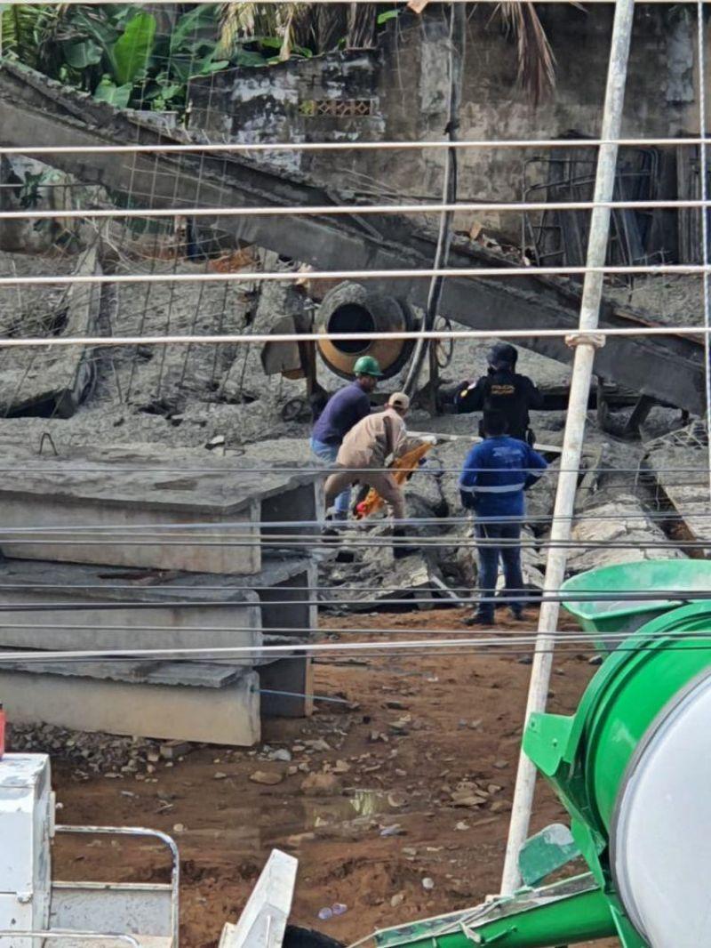 Operários ficam feridos após laje ceder em obra, em Ji-Paraná