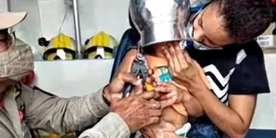 Menino de 2 anos fica com panela presa na cabeça, em RO