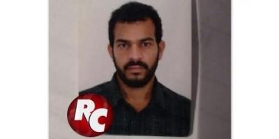 Suspeito de matar a mulher a facadas se apresenta à Polícia Civil e fica preso em São Francisco do Guaporé.