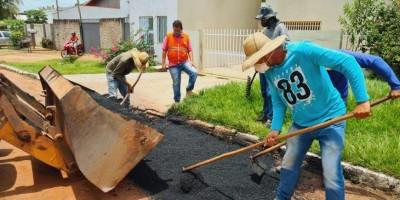 Parceria entre Governo de Rondônia e Prefeitura de Rolim de Moura garante manutenção de ruas e avenidas