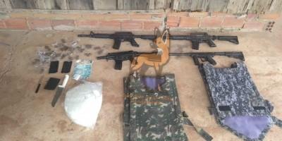 Polícia Militar apreende drogas, simulacros de arma de fogo e dinheiro oriundo de tráfico em Pimenta Bueno.