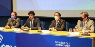 Tecnologia inédita no Brasil é apresentada pelo Governo Federal; protótipo de internet móvel via satélite para veículos