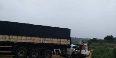 Três pessoas ficam feridas em acidente na BR-364 próximo ao distrito do Guaporé