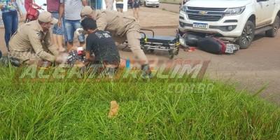 Mulher fica gravemente ferida ao ser atingida por caminhonete no Centro de Rolim de Moura