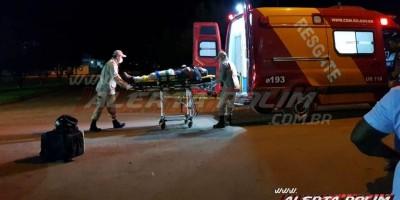 Entregador é socorrido pelos Bombeiros após se envolver em acidente de trânsito em Rolim de Moura