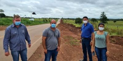 Prefeito Aldo Júlio e Adeilso Silva acompanham início da obra da Ciclovia em Rolim de Moura