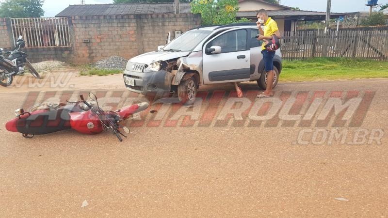 Colisão frontal entre moto e carro resulta em um ferido no Bairro Boa Esperança, em Rolim de Moura