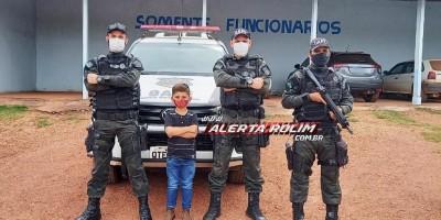 Menino que sonha em ser polícia tem singelo sonho realizado ao conhecer o serviço e instalações da Polícia Penal em Rolim de Moura