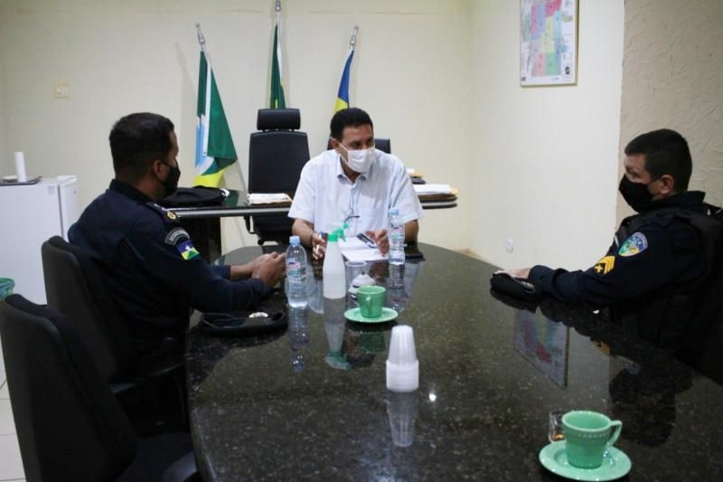 Prefeito Aldo Júlio se reúne com comandante da Polícia Militar de Rolim de Moura