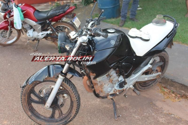 Colisão entre carro e moto deixa dois feridos nesta manhã de segunda-feira em Rolim de Moura