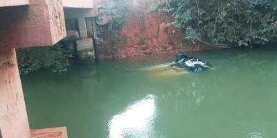 Motorista perde controle da direção e carro cai dentro de rio, em RO