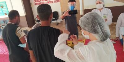 Pessoas em situação de rua receberam vacina contra a COVID-19 em Rolim de Moura
