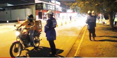 Veja a reportagem sobre a Blitz do DETRAN que acontece em Rolim de Moura - Vídeo