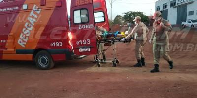 Cachorro avança em moto e homem fratura perna após sofrer queda na Avenida Morumbi em Rolim de Moura