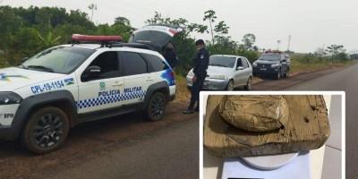 Dois moradores de Cacoal são presos com mais de 1kg de pasta base de cocaína na BR-429 em São Francisco do Guaporé
