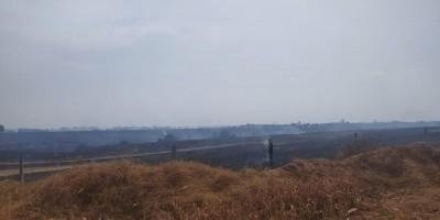 Utilidade Pública - Corpo de Bombeiros Militar de Rolim de Moura está atuando neste exato momento em 4 focos de incêndio.