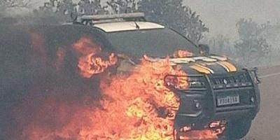 Vídeo - Viatura da PRF é destruída por incêndio que começou em vegetação às margens da BR-060 no MS