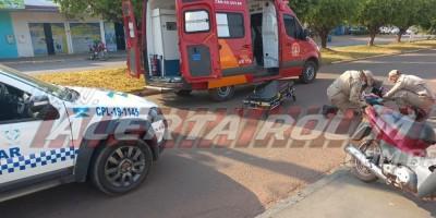 Colisão entre carro e moto no Centro de Rolim de Moura resulta em uma pessoa ferida nesta manhã de quinta-feira