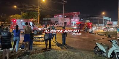 Acidente entre duas motos resulta em três vítimas em Rolim de Moura; uma delas foi socorrida pelos bombeiros em estado grave