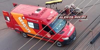 Colisão entre moto e carro que resultou em um ferido é registrada no Centro de Rolim de Moura