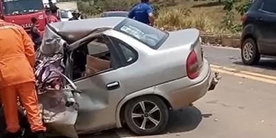 Grave acidente na BR 364 entre caminhão e veículo de passeio faz uma vítima fatal