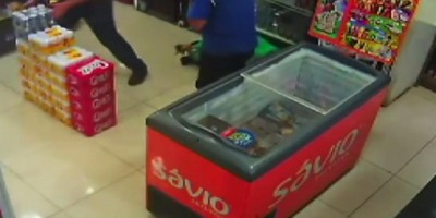 Ladrão morre depois de atirar acidentalmente contra si durante assalto no PR; veja o vídeo