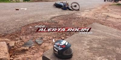 Motociclista é encaminhado a Cacoal após bater cabeça ao solo durante colisão com carro em Rolim de Moura