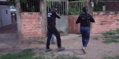 Polícia Civil deflagra operação e prende suspeitos de matarem mulher que tentou defender o marido e o bebê de traficantes