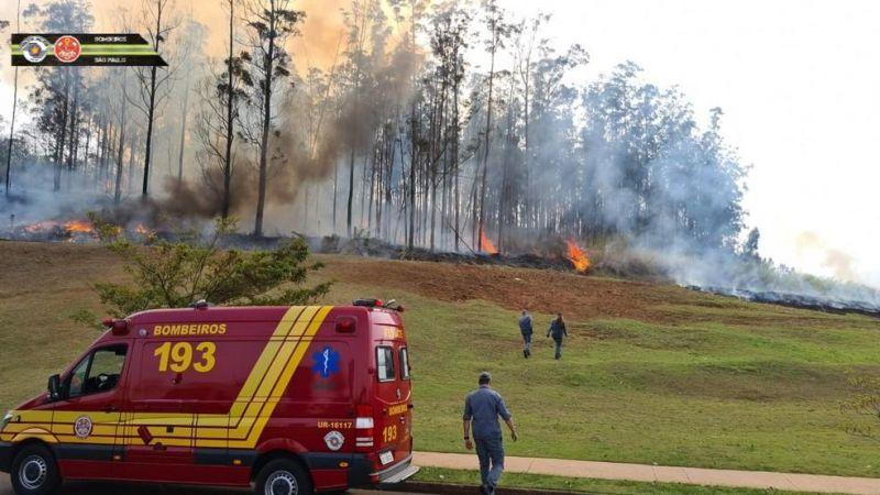 Veja momento da queda do avião em Piracicaba (SP)
