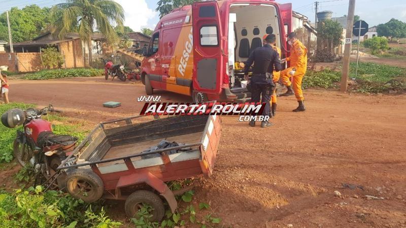 Duas motos com carretinha colidiram no bairro Beira Rio em Rolim de Moura e uma vítima foi socorrida pelos bombeiros até a UPA